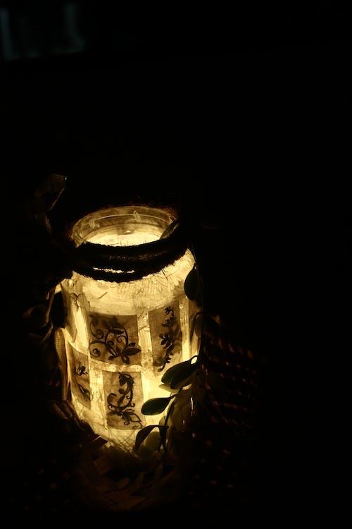 Foto d'estoc gratuïta de brillantor en foscor