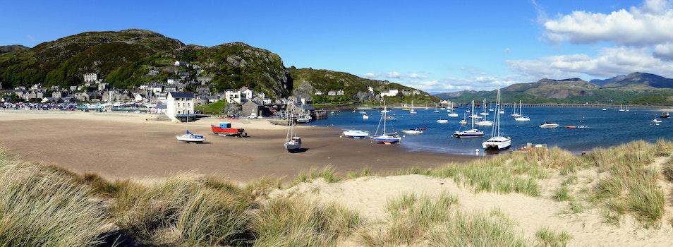 Free stock photo of sea, landscape, sky, houses