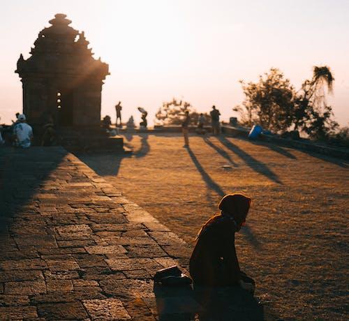 Ilmainen kuvapankkikuva tunnisteilla arkkitehtuuri, asu, auringonlasku, aurinko