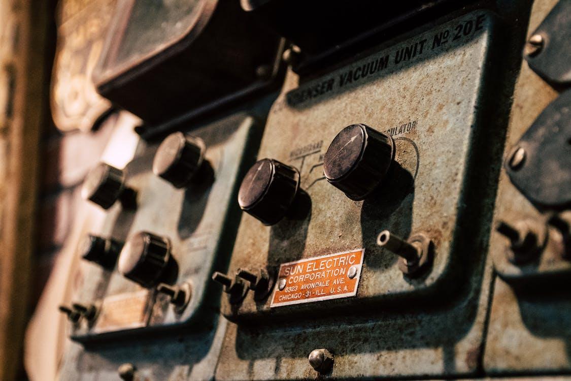 elektronické zařízení, kov, metalický