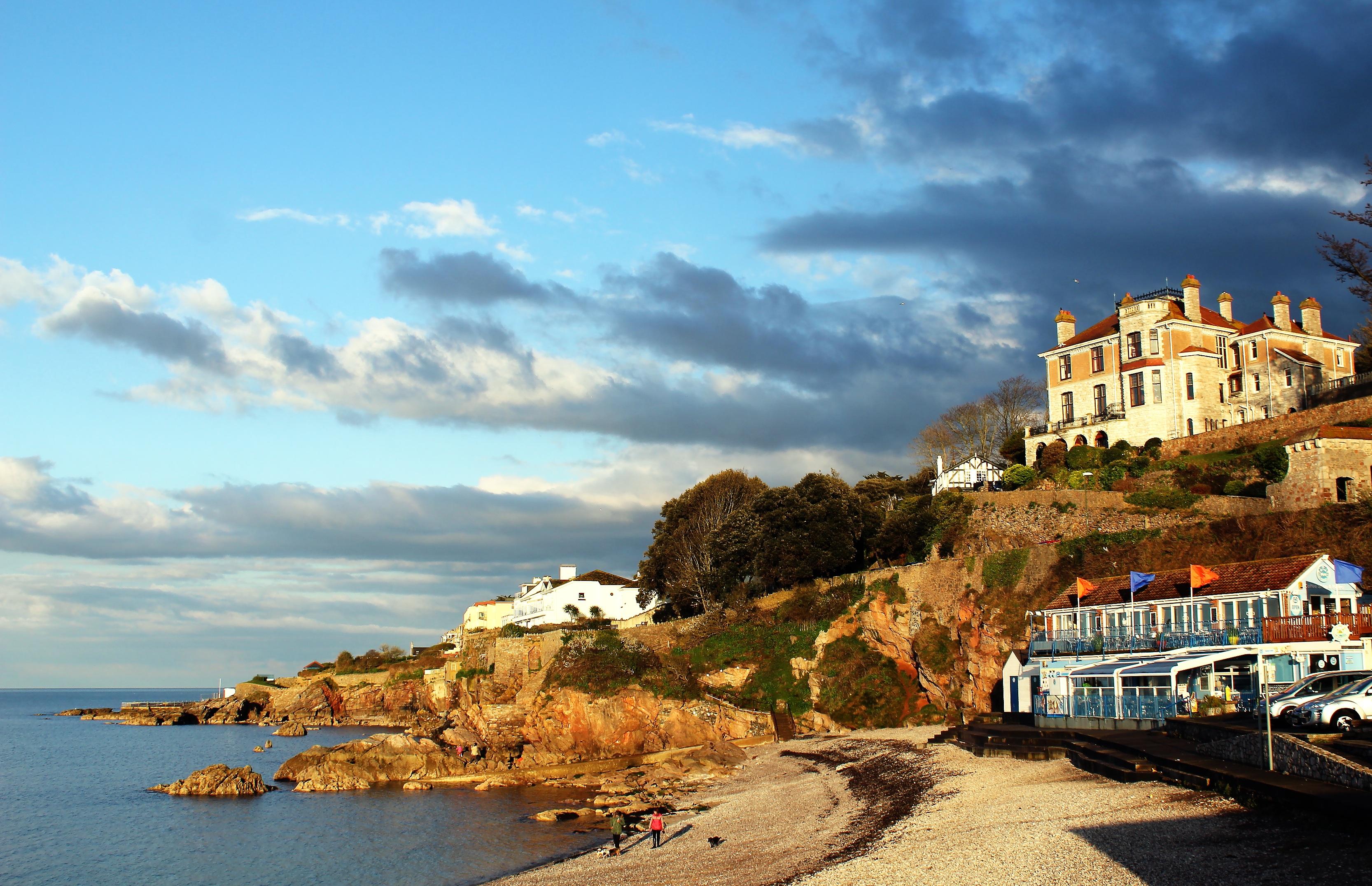 yoga beach house bordeaux