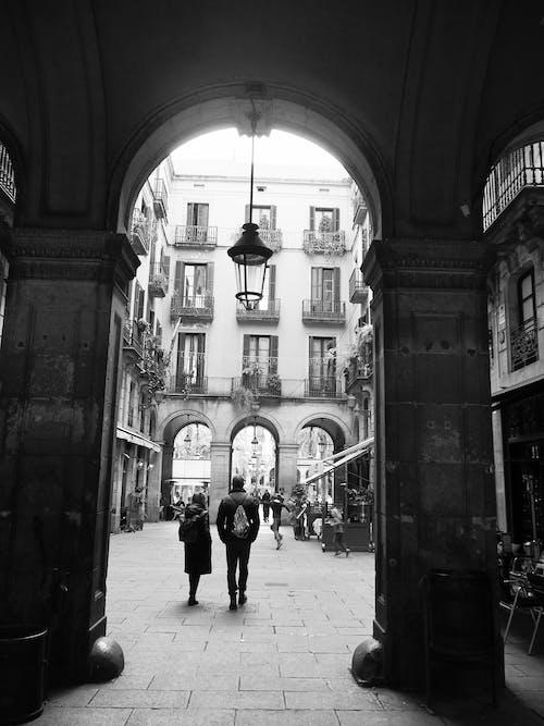 アーチ, バルセロナ, 人, 家の無料の写真素材