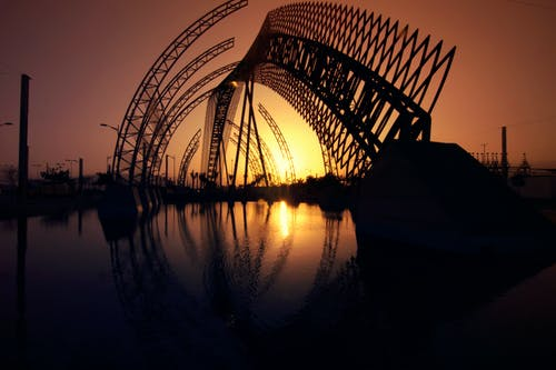 Fotobanka sbezplatnými fotkami na tému architektúra, rieka, šero, silueta