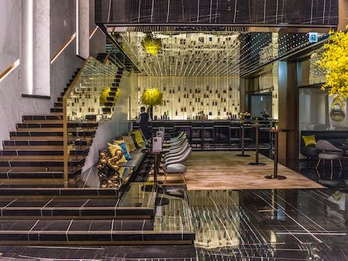 Foto d'estoc gratuïta de arquitectura, articles de vidre, dins, escales