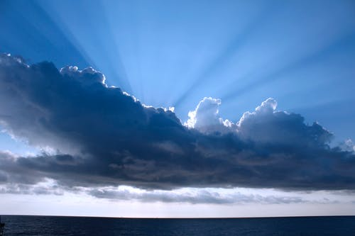 Бесплатное стоковое фото с голубое небо, религиозный, солнечный свет