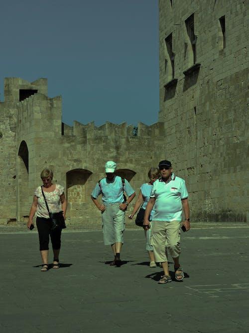 Ilmainen kuvapankkikuva tunnisteilla tavalliset ihmiset, vanha linna