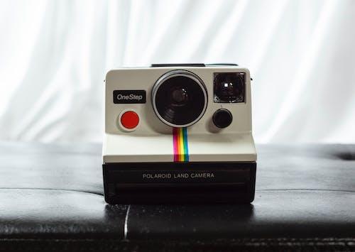 คลังภาพถ่ายฟรี ของ Instagram, กล้อง, กล้องถ่ายรูปยี่ห้อโพเลอะรอยด, กล้องอินสแตนท์