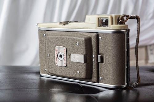 Безкоштовне стокове фото на тему «Land Camera, Polaroid, вінтажна камера, камера»