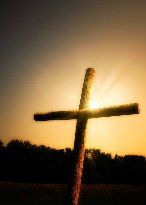 Immagine gratuita di cristiano, croce, tramonto