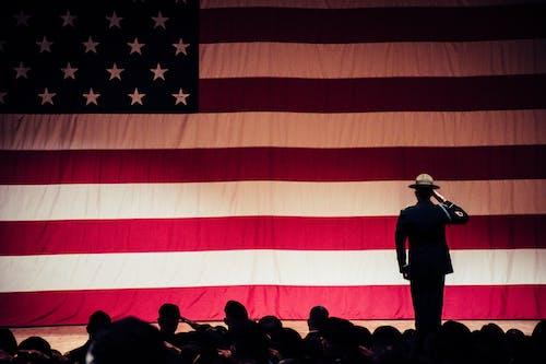 人, 士兵, 敬禮, 男人 的 免费素材照片