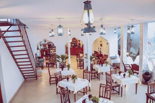 lokantalar, oteller içeren Ücretsiz stok fotoğraf