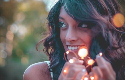 Kostenloses Stock Foto zu beleuchtung, fashion, fotoshooting, frau