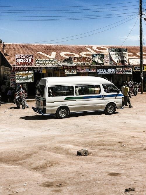 Foto profissional grátis de carona, daladala, matatu, mwanza