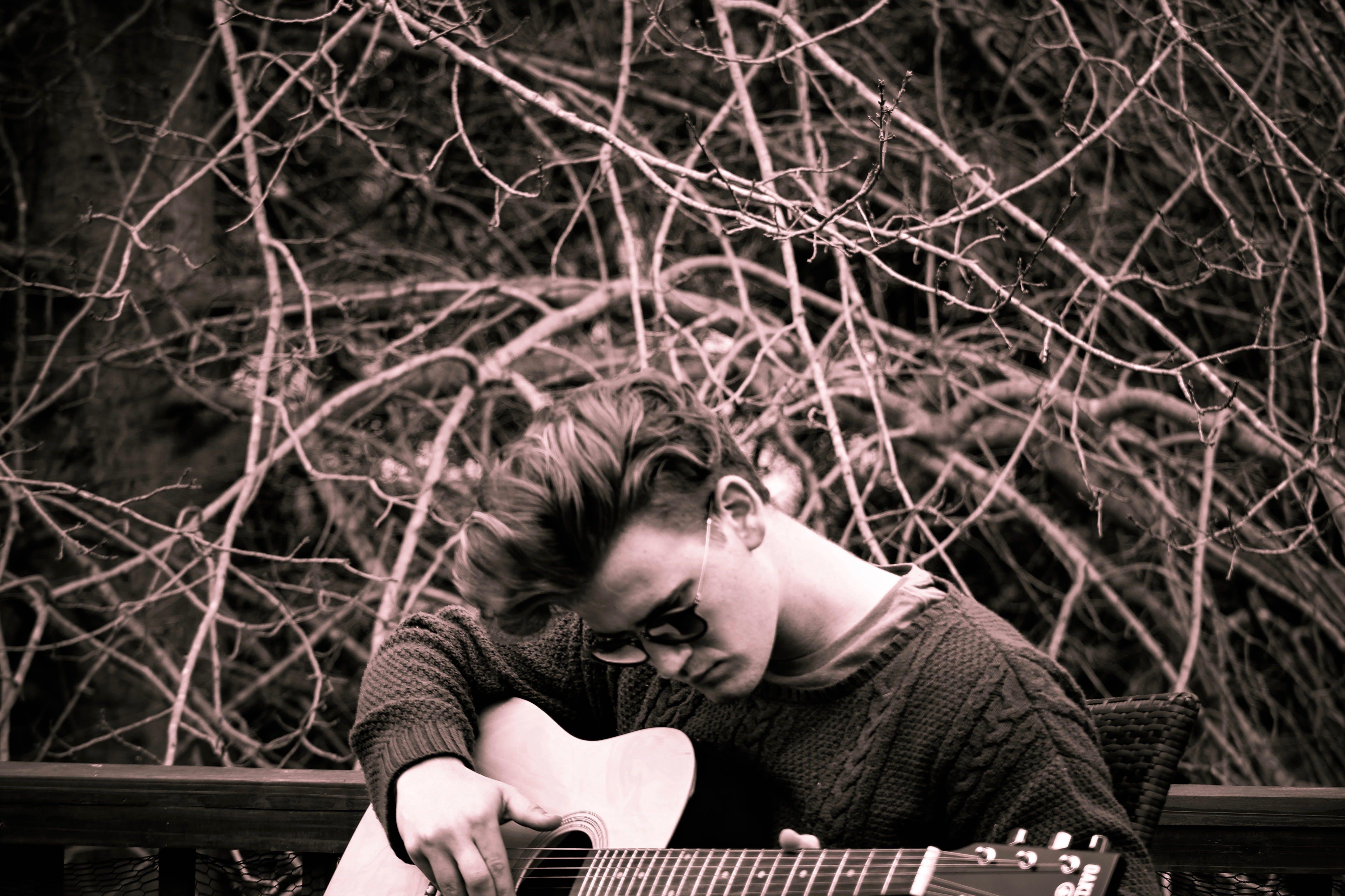 Foto profissional grátis de cantar, descolado, diversão, inverno