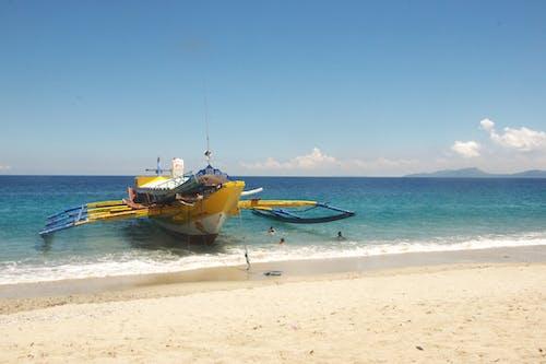 Gratis stockfoto met aan zee, boot, strand, veerboot