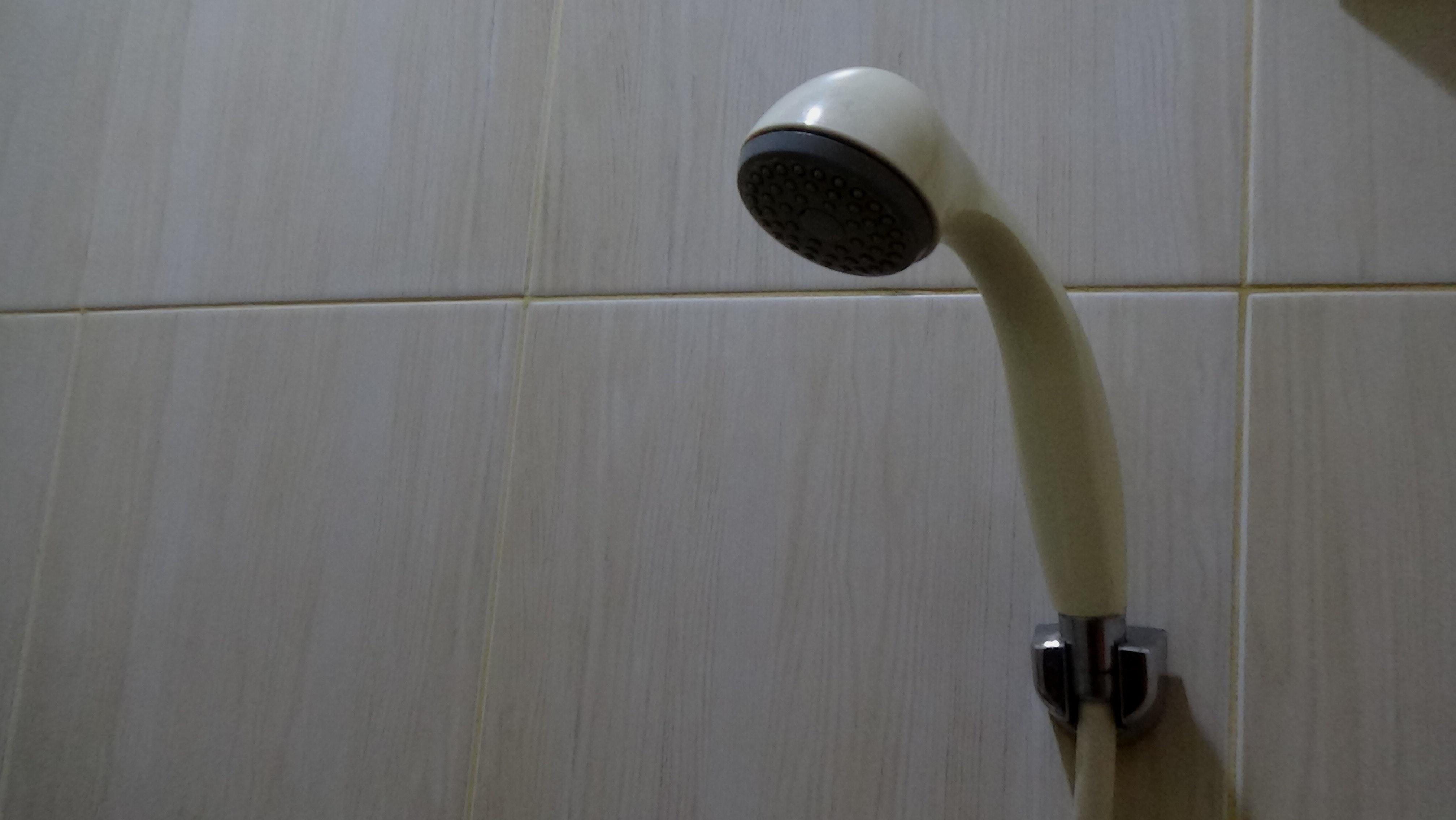 Jej 4-letnia córka zobaczyła nago kilka staruszek pod prysznicem na basenie. Ma traumę do dzisiaj