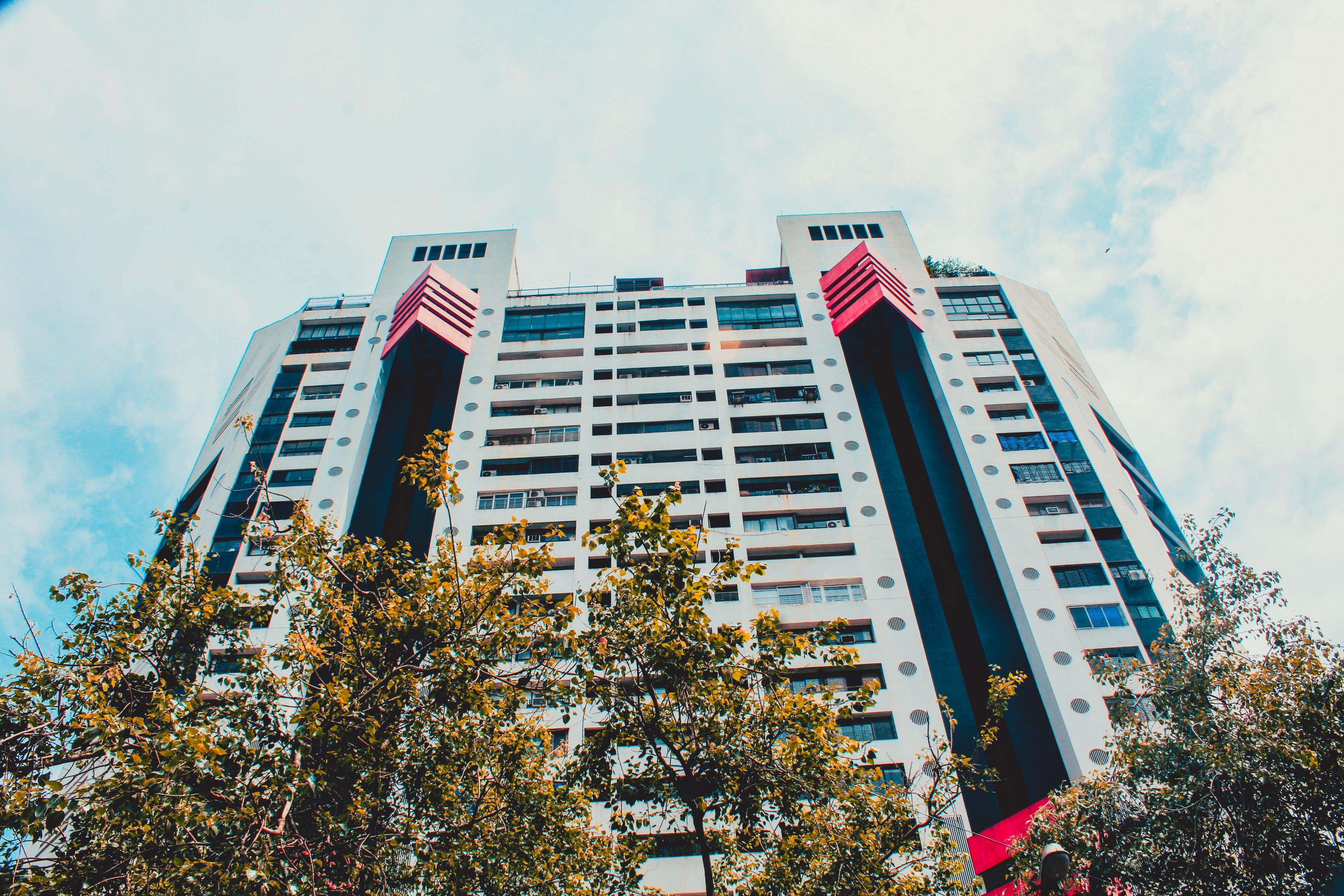 Kostenloses Stock Foto zu apartmentgebäude, architekturdesign, buldings, himmel