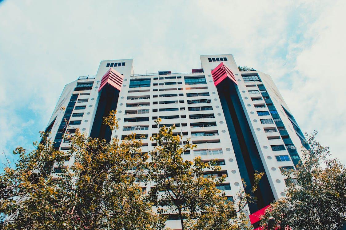 architektonický dizajn, bytové domy, obloha