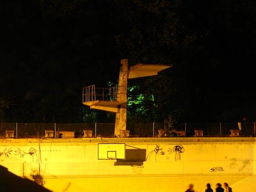 Foto stok gratis coretan, kolam renang, papan loncat, retro