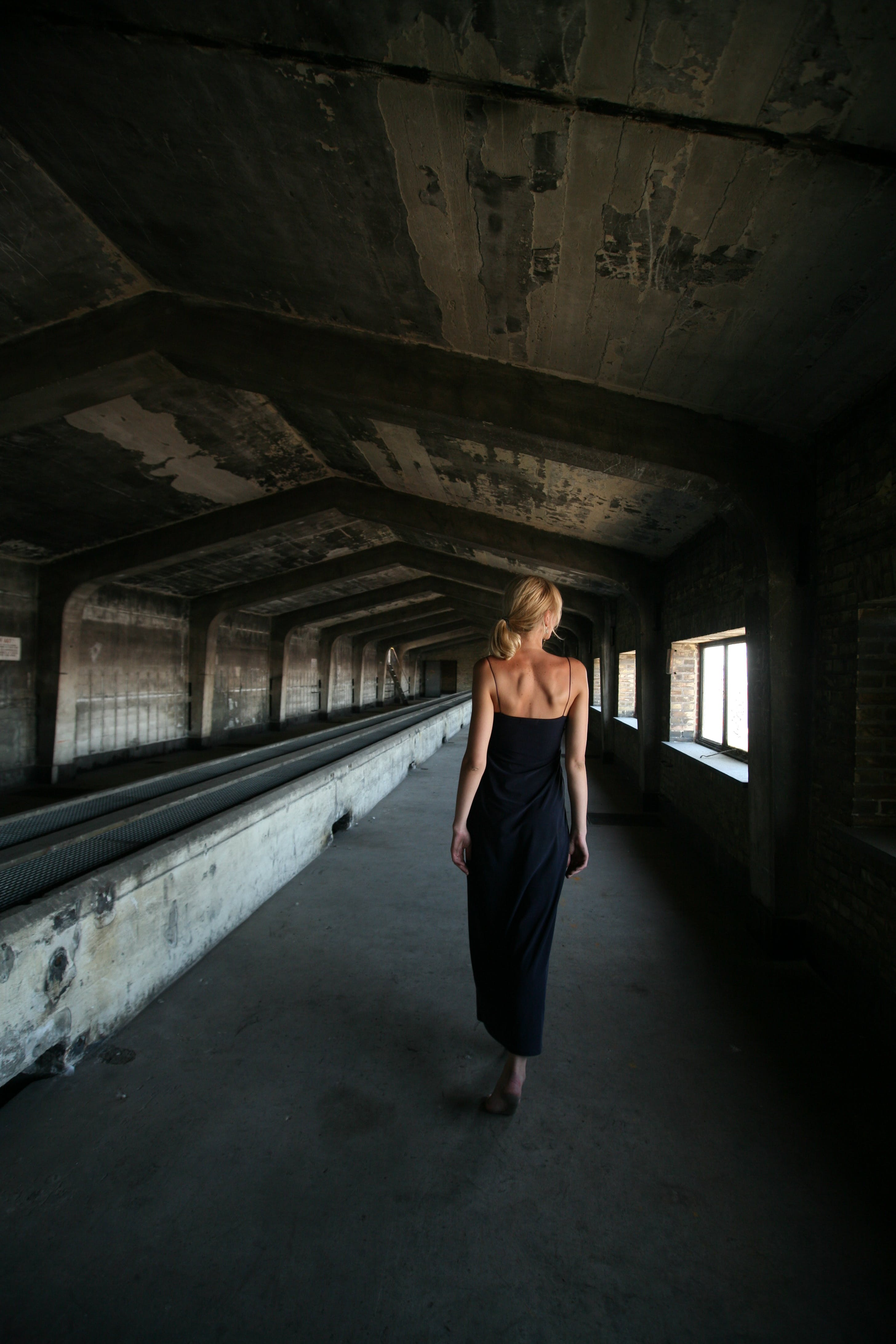 Fotobanka sbezplatnými fotkami na tému architektúra, človek, dievča, dospelý
