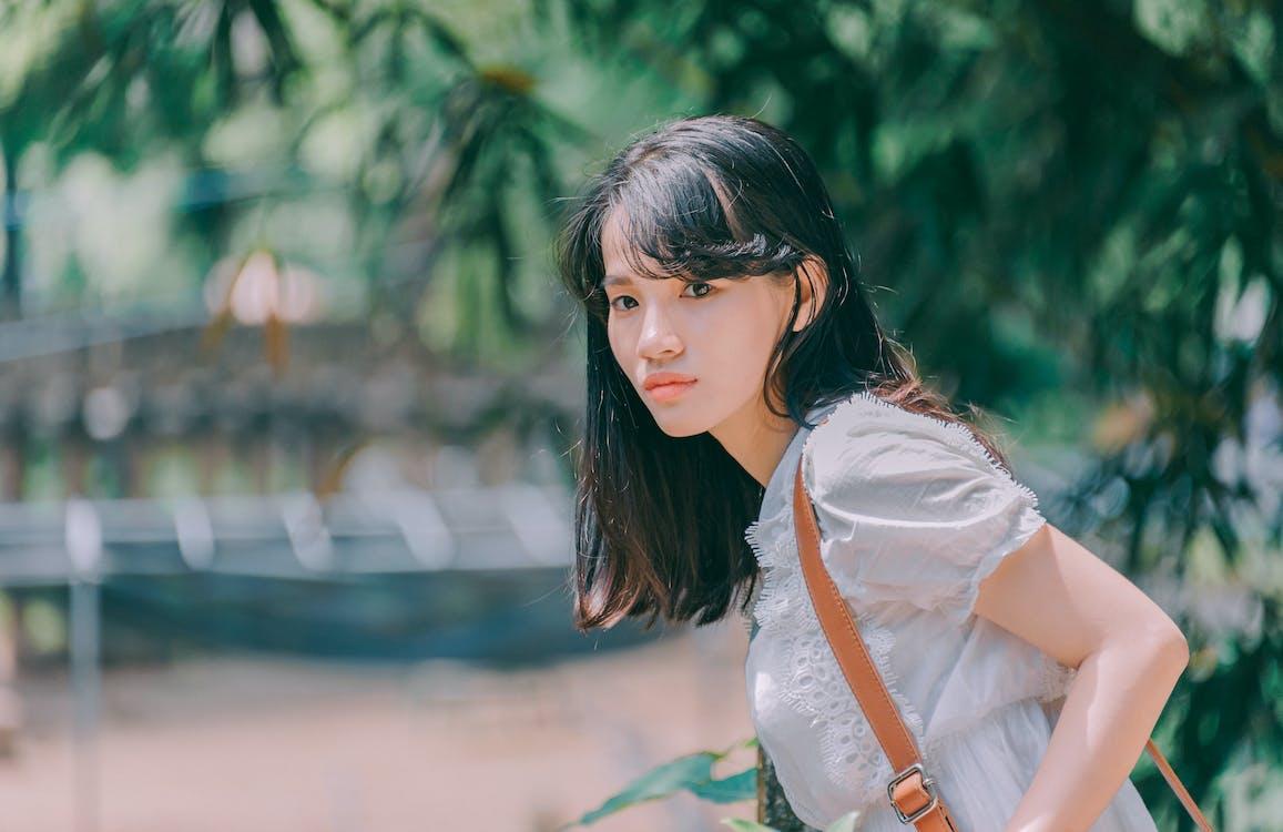 asiatisk kvinne, bruke, dagtid