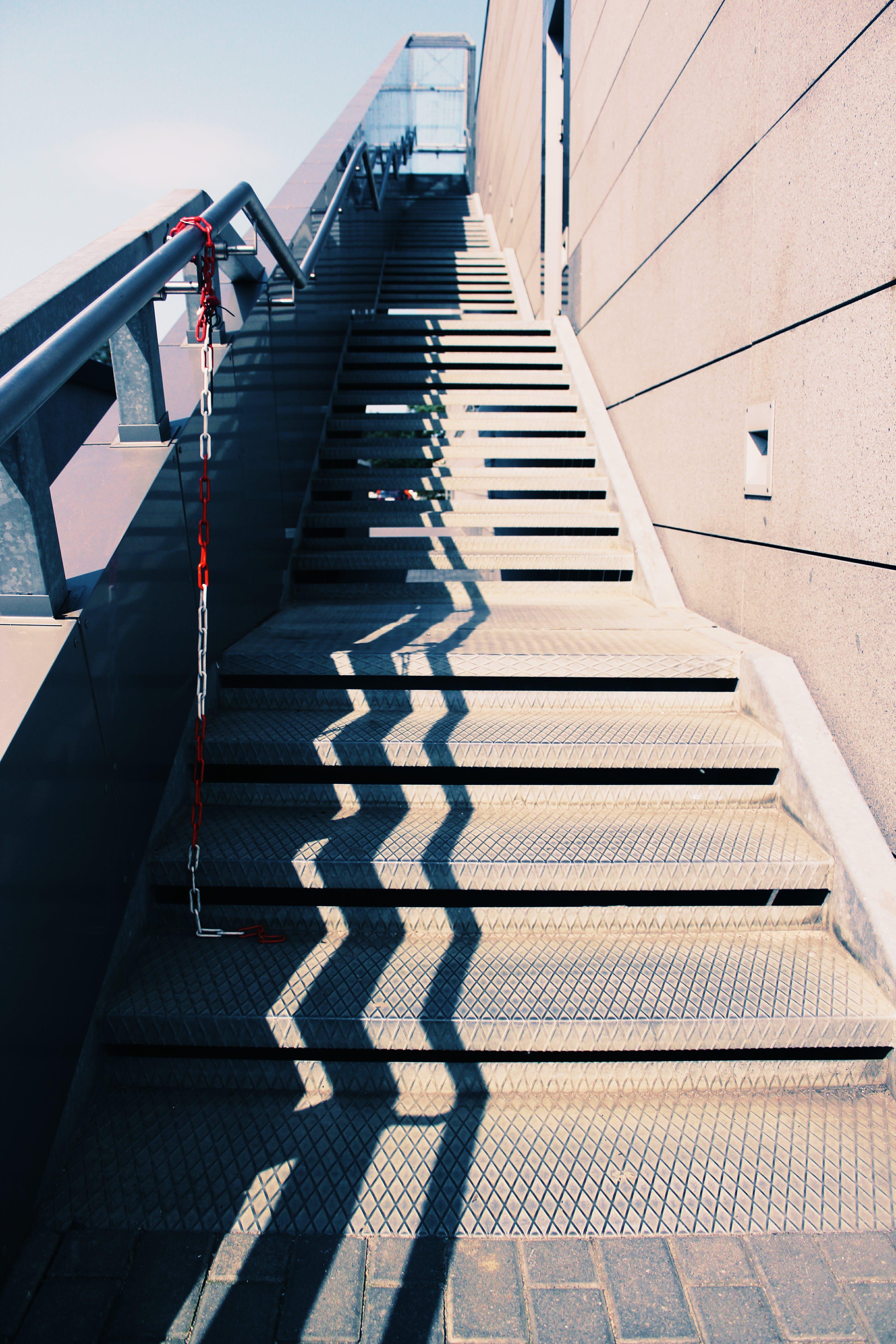 adım atmak, bakış açısı, bina, çelik içeren Ücretsiz stok fotoğraf