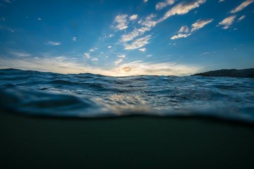 Δωρεάν στοκ φωτογραφιών με γαλάζια νερά, γαλάζιος ουρανός, γνέφω, θάλασσα