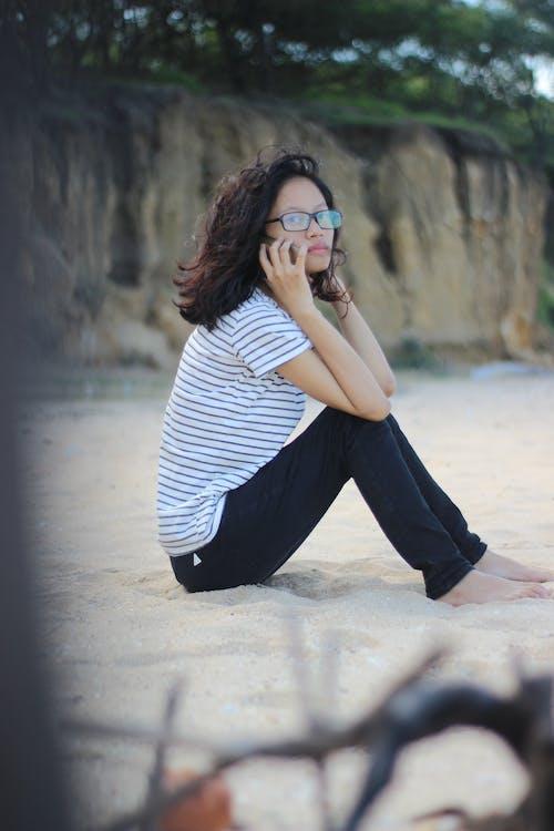 Fotobanka sbezplatnými fotkami na tému #beach, #outdoorchallenge, #rozmazať, #woman