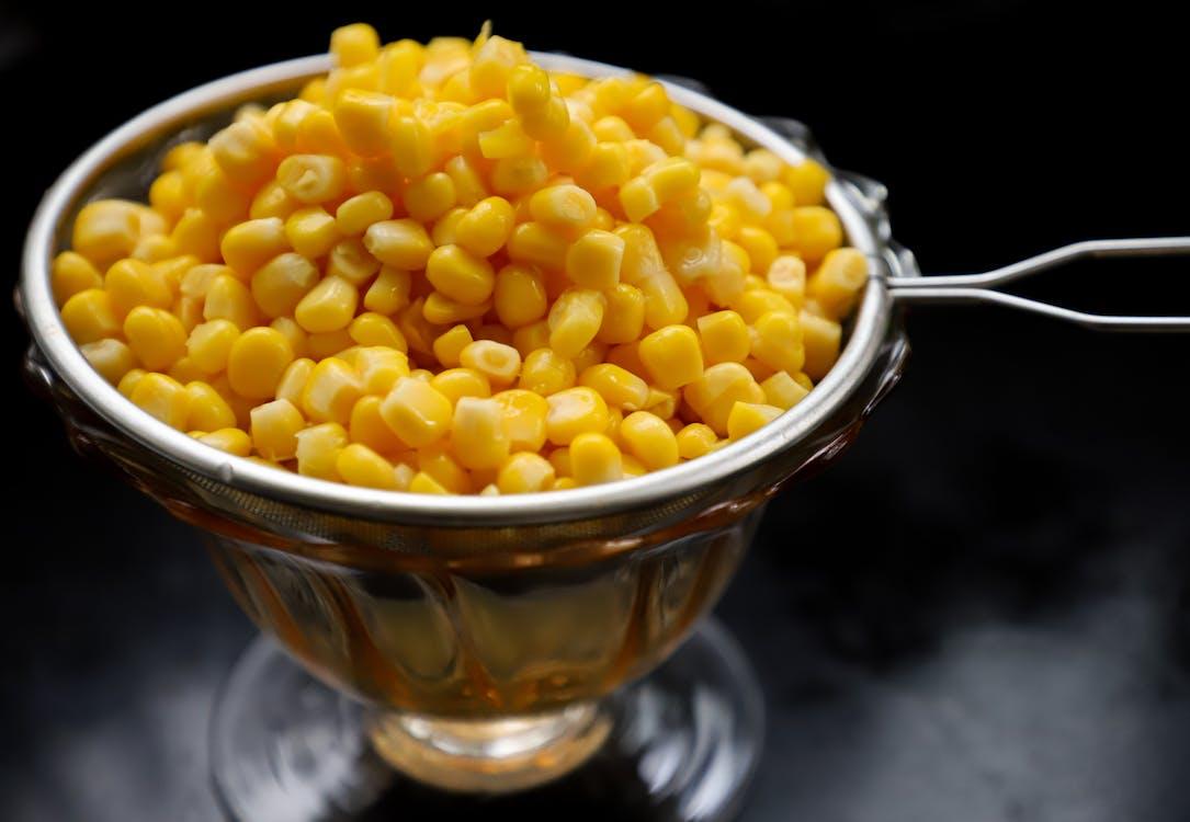 ストレーナーのトウモロコシの穀粒