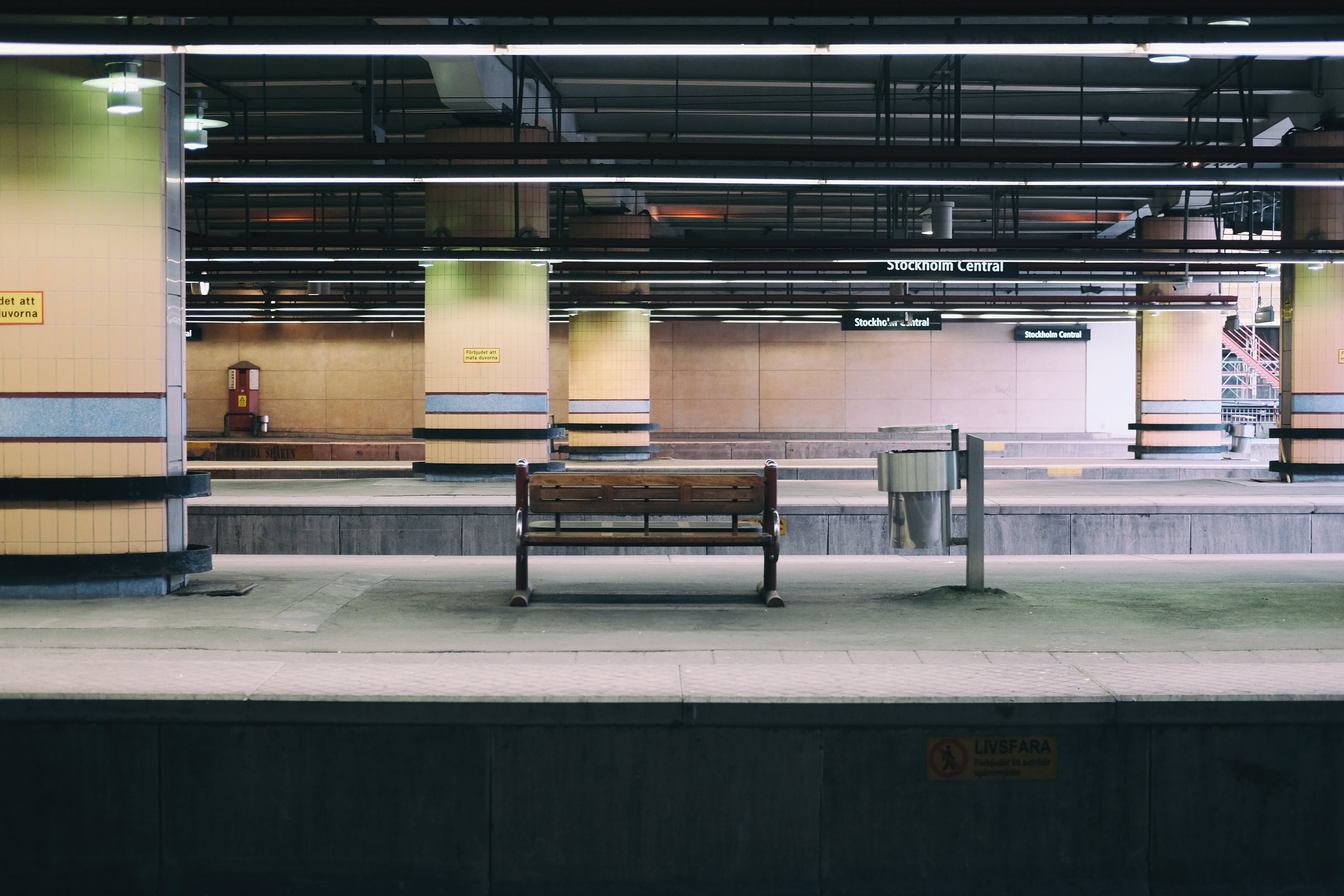 Free stock photo of architectural, bench, concrete, railway