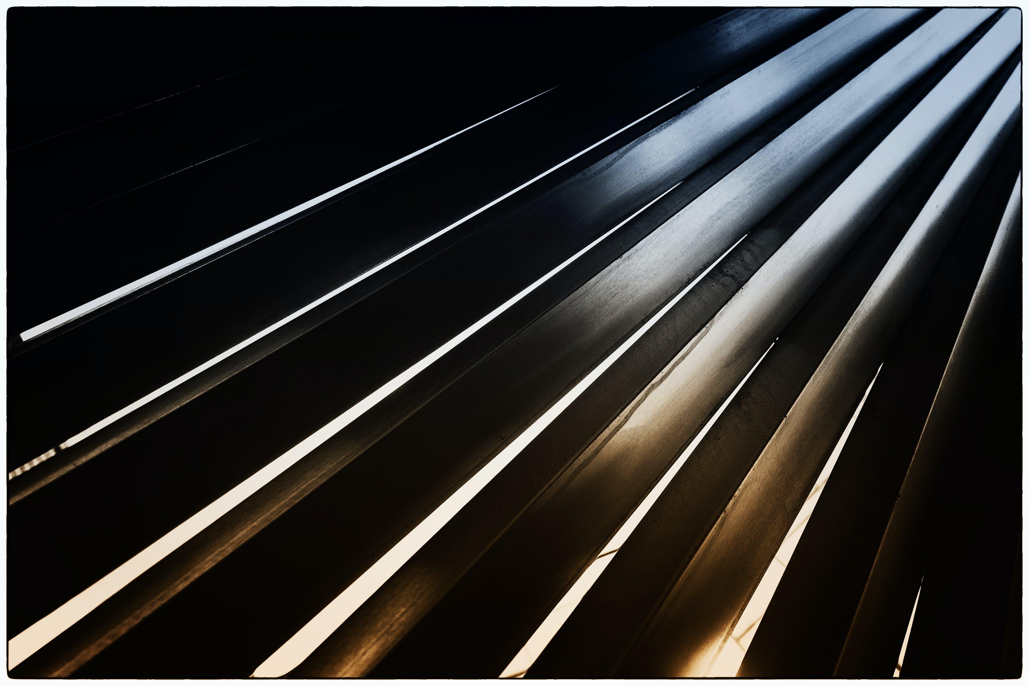 Ingyenes stockfotó acél- és betonszerkezet, építészet, fali művészet, fény és árnyék témában