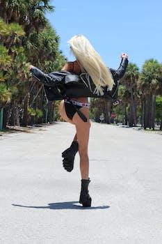 Britney Spears Enjoys Bikini Yoga as She Dances to Cardi B's 'I Like It' After Treatment