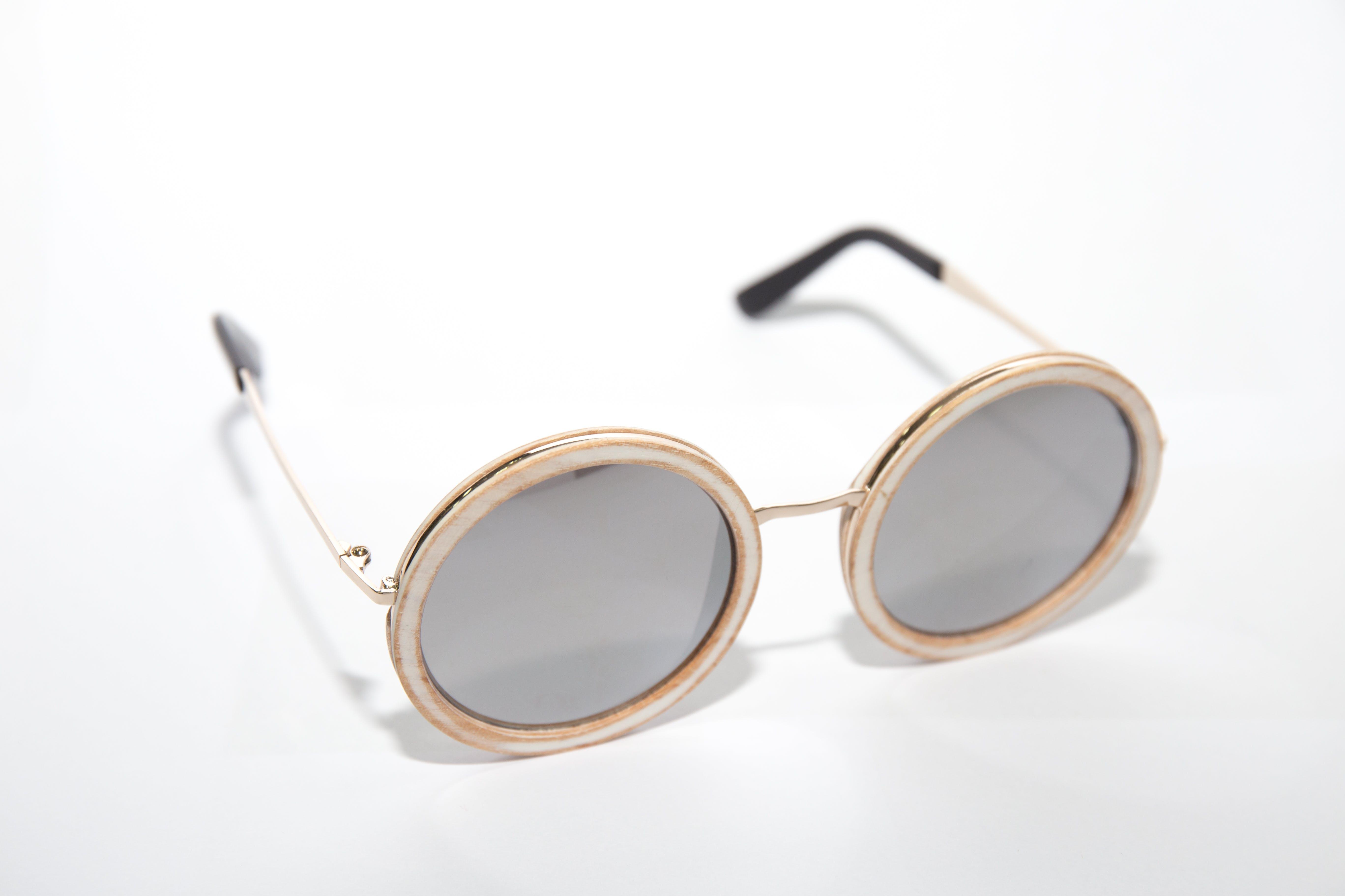 Ilmainen kuvapankkikuva tunnisteilla asuste, aurinkolasit, silmälasit