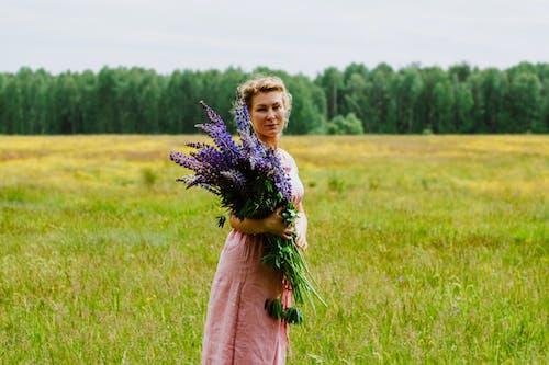 Immagine gratuita di bellezza, donna, naturale