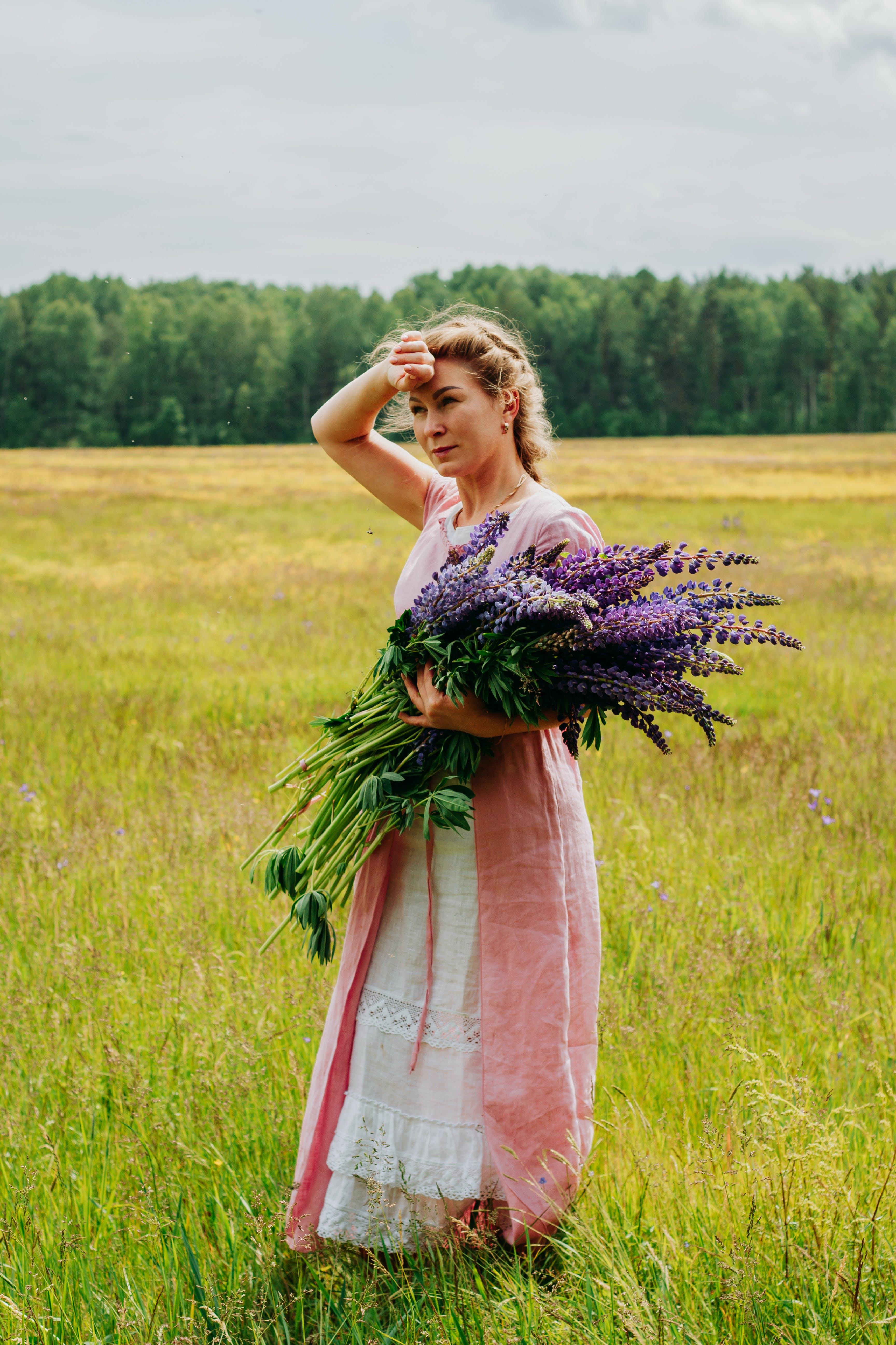 ドレス, フィールド, フラワーズ, フローラの無料の写真素材
