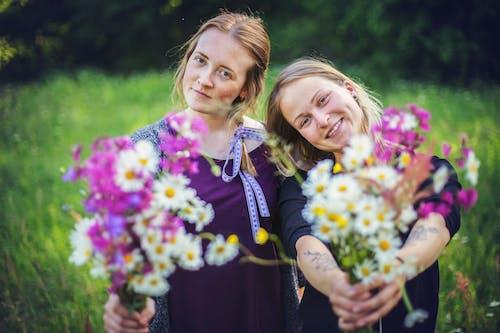 Ilmainen kuvapankkikuva tunnisteilla ihmiset, kasvikunta, kaunis, kukat