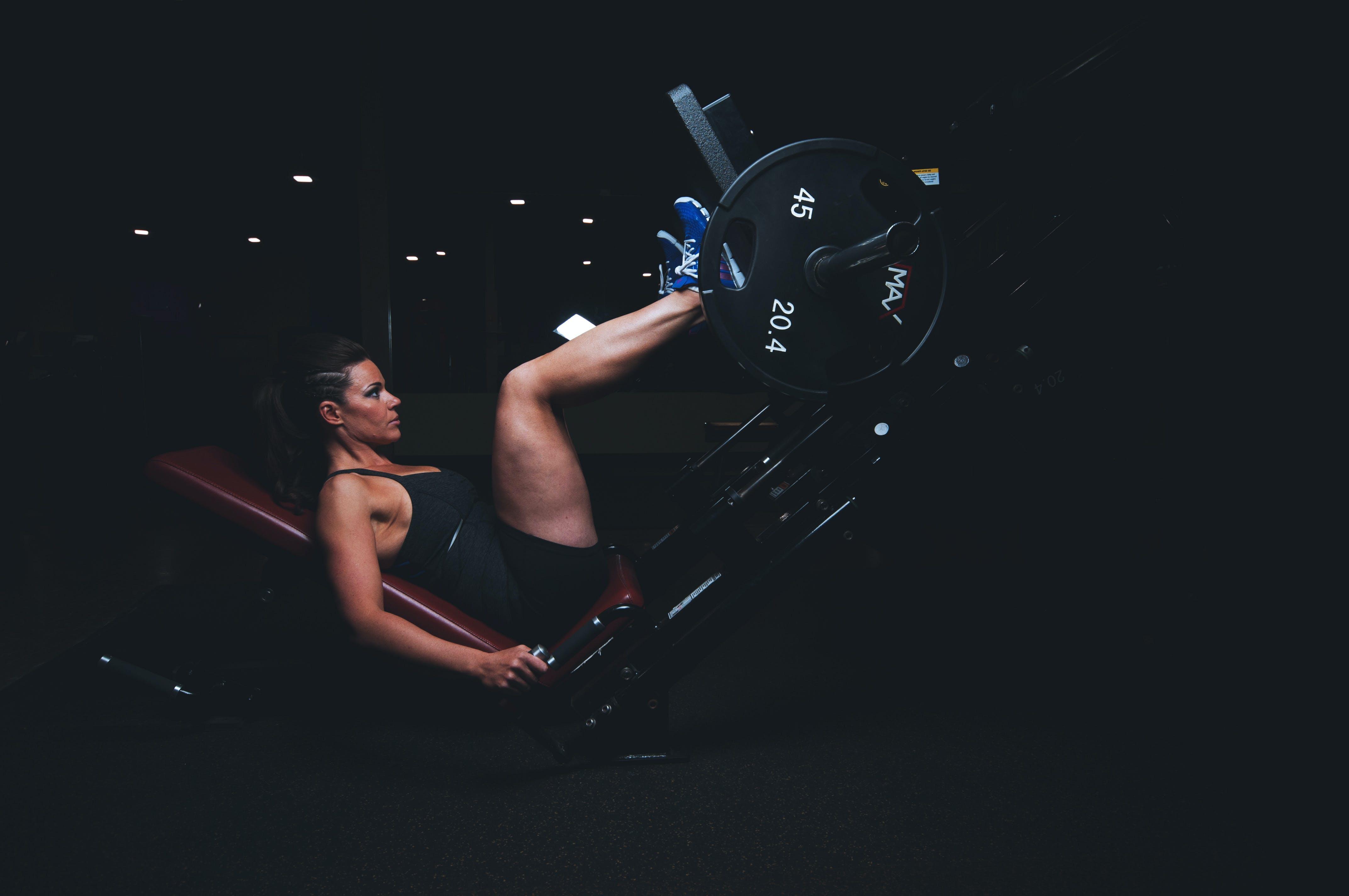 Základová fotografie zdarma na téma cvičební náčiní, dospělý, energie, fitness