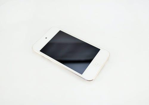 Ingyenes stockfotó alma, fehér háttér, fehér iphone, iphone témában
