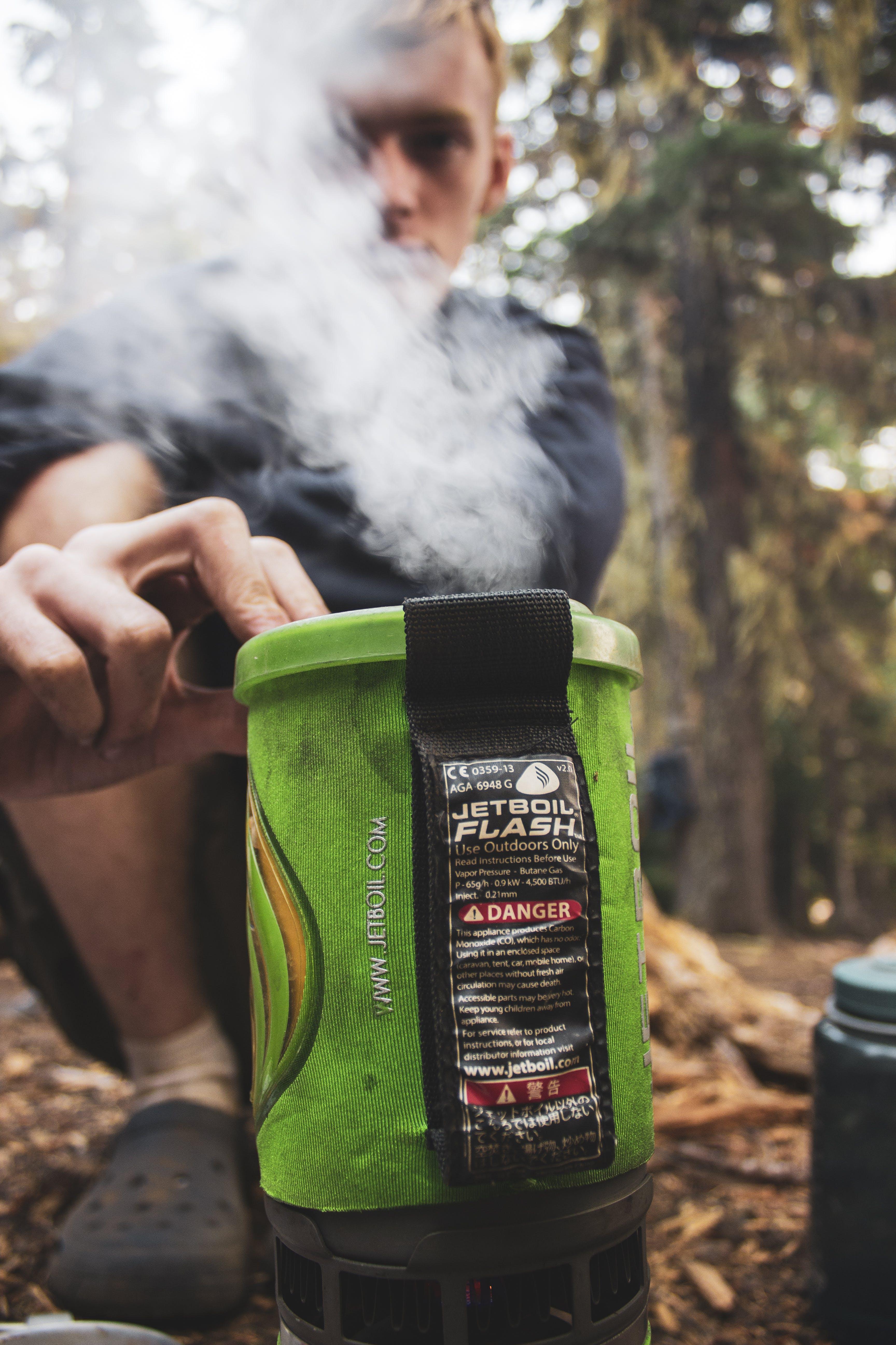 Kostenloses Stock Foto zu campen, campingkocher, dampf, düsenboil