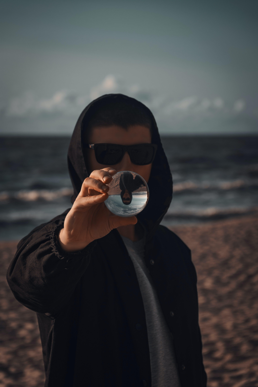 人, 墨鏡, 海洋, 海濱 的 免費圖庫相片