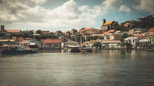 Fotobanka sbezplatnými fotkami na tému farebné domy, karibský, mesto, voda