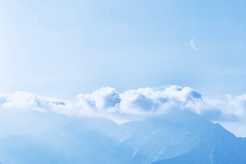 Gratis arkivbilde med atmosfære, fjell, HD-bakgrunnsbilde, himmel