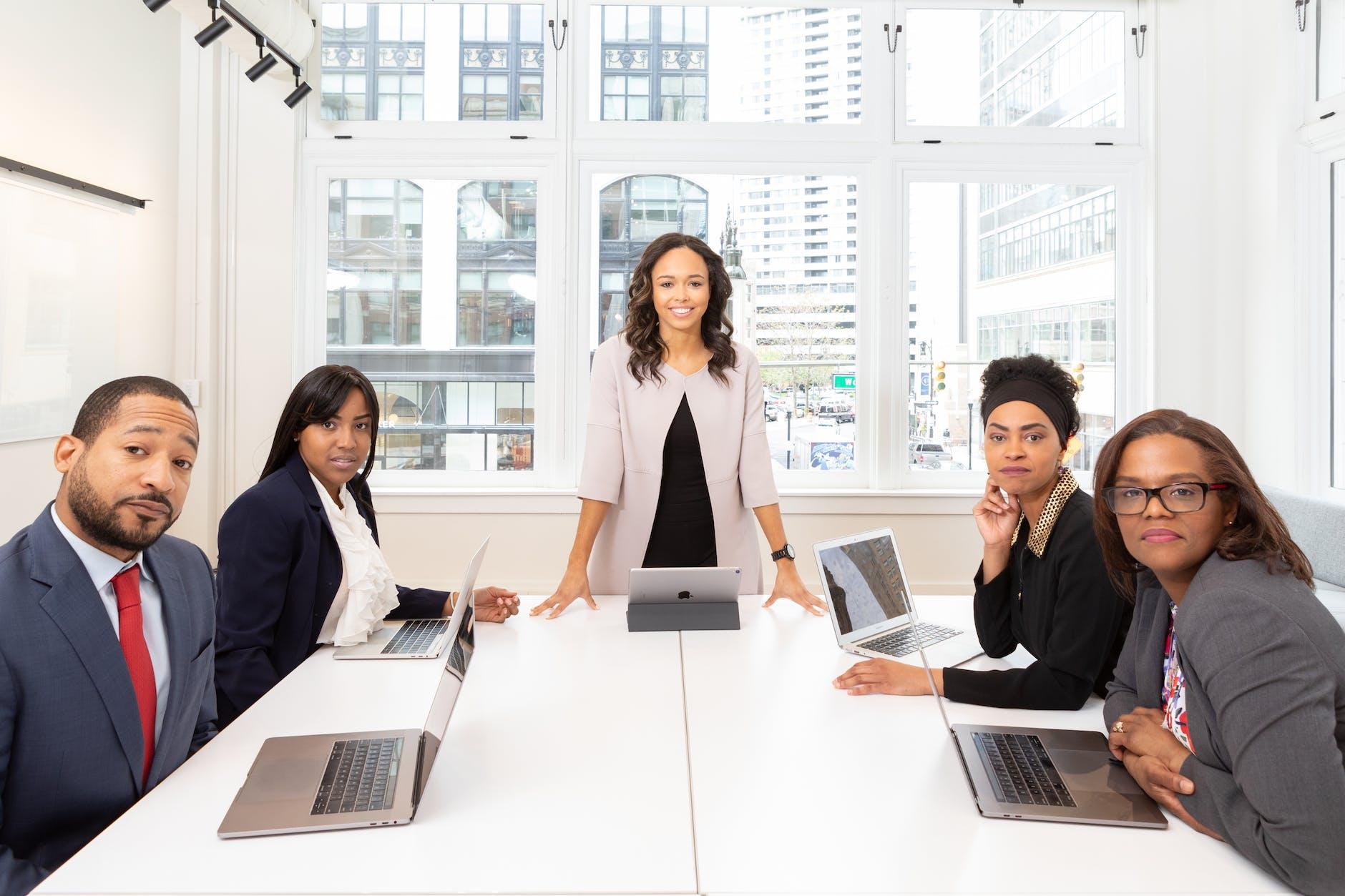 Finance Jobs: Career Options For Graduates & Newbies