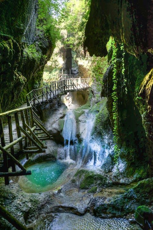 Kostnadsfri bild av bäck, bro, kaskad, klippig