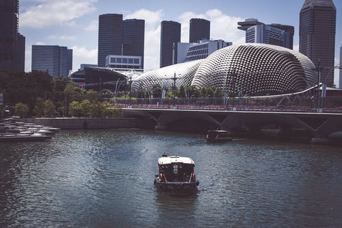 Foto stok gratis air, bangunan, bepergian, dek kapal