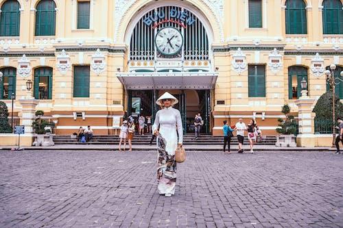 ao dai, bina, cephe, gün ışığı içeren Ücretsiz stok fotoğraf