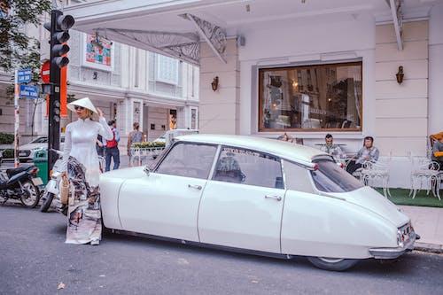 ao dai, araba, gün ışığı, güzel içeren Ücretsiz stok fotoğraf