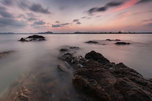 Безкоштовне стокове фото на тему «вродлива, жалюзі, Захід сонця, камінь»