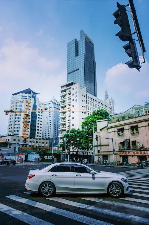 Immagine gratuita di architettura, attraversamento pedonale, centro città, città