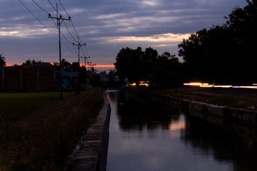 Fotos de stock gratuitas de agua, al aire libre, canal, carretera